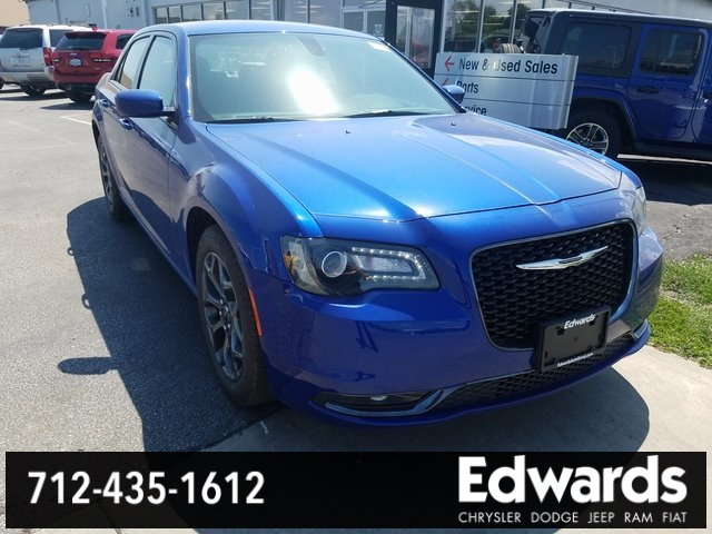 NEW 2018 CHRYSLER 300S AWD